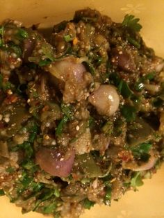 Thai eggplant mash with shallots, fermented anchovy juice and toasted rice kernels - good food Thai Eggplant, Authentic Thai Food, Thai Dishes, How To Eat Less, Thai Recipes, What To Cook, Asian, Barbecue, Good Food