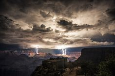 Verenigde Staten. Bliksem in de Grand Canyon