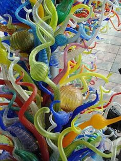 Blown Glass Art  Reminiscent of kohl center chihuly installation in Madison, wi.  The kohl colors and chihuly's installation did not work!  Garish in a monochromatic red...gray...white environment...he should have complimented the architecture and color scheme so that the eye could see the 'hand in the glove.' K.W. Glass Museum, Blown Glass Art, Dale Chihuly, Close Up Pictures, Art For Art Sake, Glass Garden, Antique Glass, Glass Ornaments, Colored Glass