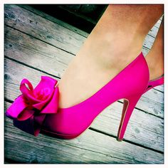#Pink #Wedding #Shoes - pretty bows http://www.bargainweddingstore.com