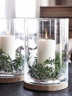 Simple Christmas decorations.
