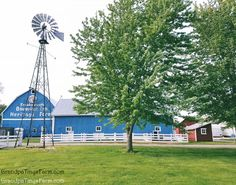 I Site, Farm Life, Memorial Day, Cabin, House Styles, Cabins, Cottage, Cubicle