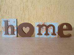 HOME   Palavra decorativa para decorar casa, presentear e encantar. Este com estampa floral e marrom, lindo e apaixonante. R$ 45,00