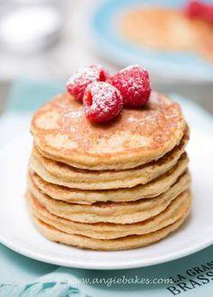 Zdravé lievance by Jamie Oliver Healthy Deserts, Healthy Cake, Low Carb Recipes, Healthy Recipes, Good Food, Yummy Food, Czech Recipes, Jamie Oliver, What To Cook