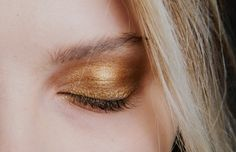 Bronze eye shadow and dark brown make a gorgeous combination Find these in loose powder or cream shadow at zbllc.com