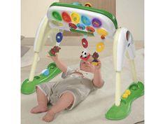 La Palestra Multigioco Chicco è un importante centro multigioco in cui il bambino si esercita a coordinare i movimenti, attratto da luci suoni e colori.  Con 3 posizioni per giocare sdraiato, seduto o in piedi,per accompagnarlo nei diversi momenti della crescita.