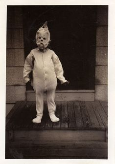 25 Deeply Disturbing Old-Timey Halloween Pictures That Will Give You The Jitters
