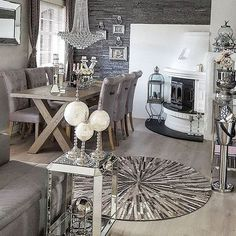 Essential Home is the epitome of bohemian design. Romantic Room, Deco Boheme, Living Spaces, Living Room, Minimalist Home Decor, Interior Decorating, Interior Design, Dream Rooms, Home Decor Inspiration