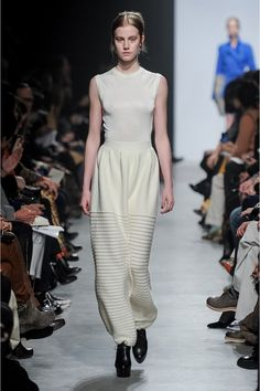 Maison Rabih Kayrouz Fall 2013 Ready-to-Wear Collection Slideshow on Style.com