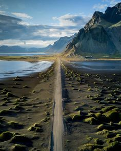 Did you know it's not 800 isk just to drive down the short road? People in Iceland be making money😂 Photo by for a feature Landscape Photography, Nature Photography, Travel Photography, Places To Travel, Places To Visit, Iceland Travel, Roadtrip, Science And Nature, Places Around The World