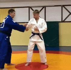 let's play judo — Masahiko Kimura sumi/hikikomi gaeshi to gyaku ude. Martial Arts Moves, Self Defense Martial Arts, Martial Arts Styles, Martial Arts Workout, Boxing Workout, Mixed Martial Arts, Self Defense Moves, Self Defense Techniques, Judo Moves