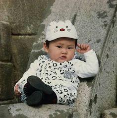 Can you identify the EXO members in these adorable baby photos, taken way before EXO's debut? Take the quiz to find out! Exo Xiumin, Kim Minseok Exo, Kim Jong Dae, Kim Min Seok, Xiu Min, Xiumin Instagram, Wattpad, K Pop, Baby Pictures