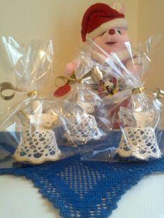 Angioletti natalizi e centro tavola uncinetto blu