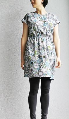 A Floral Prints Dress Dressmaking, Floral Prints, Casual, Handmade, Dresses, Fashion, Sew Dress, Floral Patterns, Hand Made