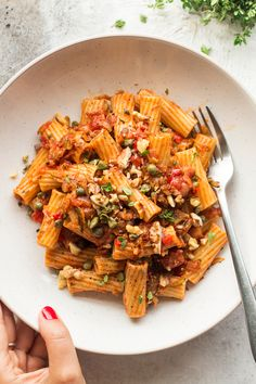 This zucchini bolognese makes for a delicious and light, yet filling summer meal. It's based on the best summer produce, it's naturally vegan and can be gluten-free too.