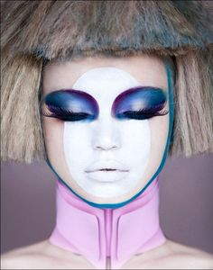 Special Feature: Space-Age Makeup!