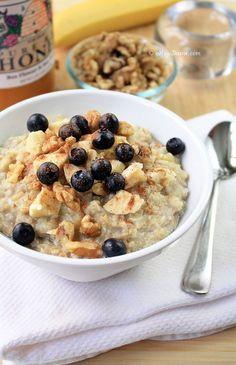 Quinoa + Oatmeal = Quinoatmeal from cHowDivine.com {Tastes like banana bread in a bowl.  NO sweetener necessary!}