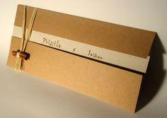 Impressão normal (plana) acompanha arranjo de palha com canela  Tamanho: 9,5 x 25 cm  Obs.: todos os convites rústicos tem opão para envelope papel: oregano, mostarda, páprica, krafit natural, reciclato, cravo e canela. E impressão relevo americano (veja Acessórios) R$3,69