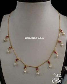 49 Ideas jewerly gold necklace collars for 2019 Gold Necklace Simple, Gold Jewelry Simple, Indian Gold Necklace, Indian Bangles, Ruby Necklace, Short Necklace, Necklace Set, Gold Earrings, Pearl Jewelry