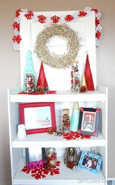 Christmas Faux Mantel Vignette #christmas #decor #mint #red #gold #diy