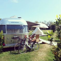 One of the airstreams on our Venice park! Airstream Living, Camping Glamping, Venice, Hotels, Italy, Adventure, Vacation, Park, Classic