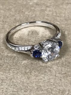 Love looking at sparkly things? Here is one to steal your heart ❤️  #style LE027WDXBS #engagementring #ring #jewelry #diamondring #diamond #peterstormjewelry #fashion #instafashion #instajewelry