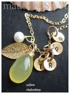 4 DISCS Moms  grandma  family leaf necklace  by sammi84 on Etsy, $49.98
