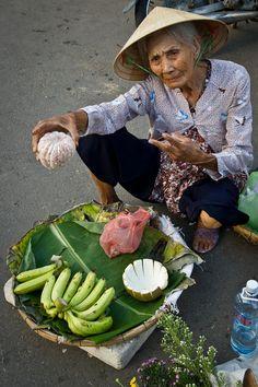Vietnam : vendedora en Hoian