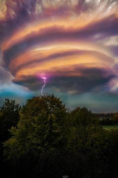 Lightening Swirl, Hurley, England,by Chris Rathore, on 500px.