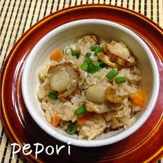ホタテの出汁が効いて美味しい炊き込みご飯になりました(^-^) 烏龍茶で炊いても、変な渋みはなく大丈夫さっぱりするのかな?身体には良さそうです。 - 168件のもぐもぐ - 烏龍茶で炊く、ベビーホタテの中華風炊き込みご飯♪ by pepori