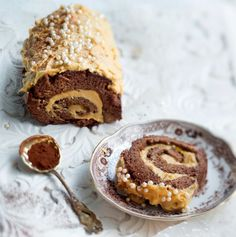 Gluteeniton valkosuklaa-unelmatorttu, Gluten-free chocolate swiss Roll with white-choicolate filling :)  – Ruoka.fi