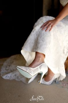 Classic bridal shoe for a vintage wedding   Fairy Tale Photography