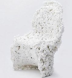 "Chaise ""Phantom"" Matériau:chips de mousse Eco-Foam Designer:Guillaume Linard Partenaire:Com Plas Packaging"