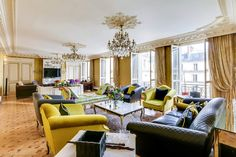Exclusive premium-class apartment in the 16th district of Paris on Avenue Marceau. Luxurious large property with a magnificent interior in a prestigious area of the French capital. https://www.glamourapartments.com/real-estate/for-sale/marceau