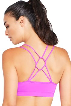 b107ab1129 Enjoy a twisted take on our seamless sports bra