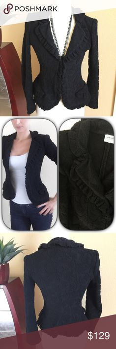 """Armani Collezioni⚜️black textured jacket Armani Collezioni⚜️black leaf scroll textured jacket. Soft wool hidden button front jacket. Light to medium weight but warm because of fabric content.  Gently loved. Fits size 2-4. Measures 24"""" long 17"""" across bust and 23"""" long sleeves Armani Collezioni Jackets & Coats"""