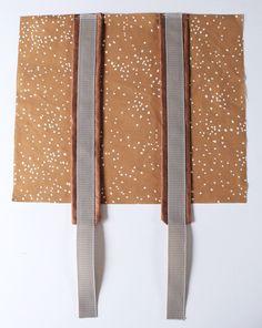 DIY tutorial backpack- DIY tutorial rolltop backpack with spoonflower fabric Tutorial Diy, Pouch Tutorial, Mochila Tutorial, Sewing Hacks, Sewing Projects, Sewing Jeans, Backpack Organization, Diy Backpack, Backpack Pattern