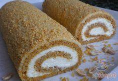 Répás tekercs túrókrémmel | TopReceptek.hu Healthy Deserts, Healthy Sweets, Sweet Recipes, Cake Recipes, Dessert Recipes, Sweets Cake, Cupcake Cakes, Czech Recipes, Different Cakes