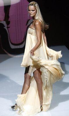 Versace Spring 2007 RTW Milan