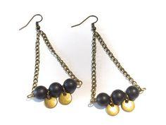 Boucles d'oreilles perles d'agate noire mate et sequins bronze !