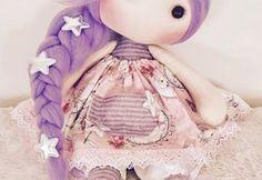 Patrón y tutorial para hacer muñeca de tela Lili Doll Clothes Patterns, Clothing Patterns, Sewing Patterns, Diy Wedding Flowers, Flower Bouquet Wedding, Crochet Girls, Crochet Top, Mario Crochet, Knot Pillow