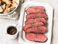 Niedriggarmethode- Garzeiten Slow Cooking, Xmas Dinner, Roasted Meat, Family Kitchen, Roast Beef, Kitchen Recipes, Food Inspiration, Beef Recipes, Nom Nom