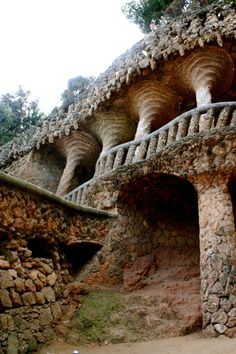 Park Guell. Antoni Gaudi. Barcelona, Spain. 1900-14  BEAUTIFUL parc where everyone in town hangs out all day.  Amazing, really!
