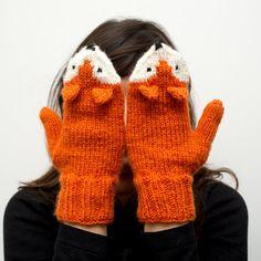 62 Things Every Fox Lover Needs In Their Life Fox Mittens Mittens Pattern, Knit Mittens, Mitten Gloves, Fingerless Mittens, Hand Knitting, Knitting Patterns, Crochet Patterns, Knitting Machine, Hat Patterns