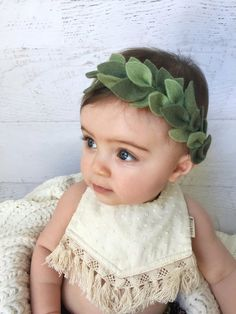 Green Leaf Crown- Vine/Leaf Headband, Boho Baby Headband This adorable and unique leafy headband is perfect for all ages, from little boho babes to their mamas! Use for a newborn photo shoot, or as a flower girl headpiece, the possibilities are endle Handmade Headbands, Newborn Headbands, Baby Girl Headbands, Baby Crowns, Handmade Baby, Handmade Rugs, Handmade Crafts, Felt Headband, Boho Headband