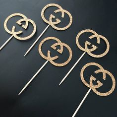 Set of 12 gold glitter Gucci cupcake toppers Approximately 2 inch These beautiful toppers are made out of premium card stock and the back of them is white. *Toppers are somewhat delicate so please handle with care when removing from packaging* These would be fab for your party! My Birthday Cake, 12th Birthday, Girl Birthday, Adult Party Themes, Birthday Party Themes, Gucci Cake, Gucci Gucci, Cupcake Toppers, Cupcake Ideas