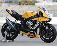 R1 +1 Yamaha Cafe Racer, Yamaha Motorcycles, Yamaha Yzf R1, Super Bikes, Duke Motorcycle, Concept Motorcycles, Street Bikes, Bike Design, Motorbikes