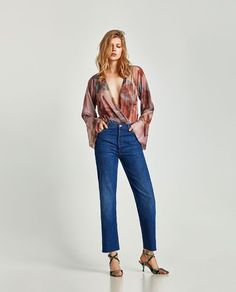 Image 1 of V-NECK BODYSUIT WITH LOOSE-FITTING SLEEVES from Zara