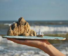 Всем доброго утра и отличного настроения! Хочу поделиться с вами островком со скалами, лодкой на двоих ⛵и чайками конечно, куда ж без них-то любимых А море сегодня просто отличное! Штормит и тёплое, всё как я люблю ______________________________________________ #дрифтвуд #море #голубицкая #краснодарскийкрай #отдых #отпуск #подарок #сувениры #красота #дерево #изделияиздерева #домики #дом #dom #house #handmade #ручнаяработа #искусство #art #азовскоеморе #черноеморе #хэндмэйд #лу...
