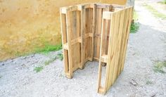 DIY : Fabriquez un composteur en récup' à partir de bois de palette Woodworking Logo, Woodworking Projects, Faire Son Compost, French Language Lessons, Decoration Originale, Wood Working For Beginners, Permaculture, Horticulture, Texture